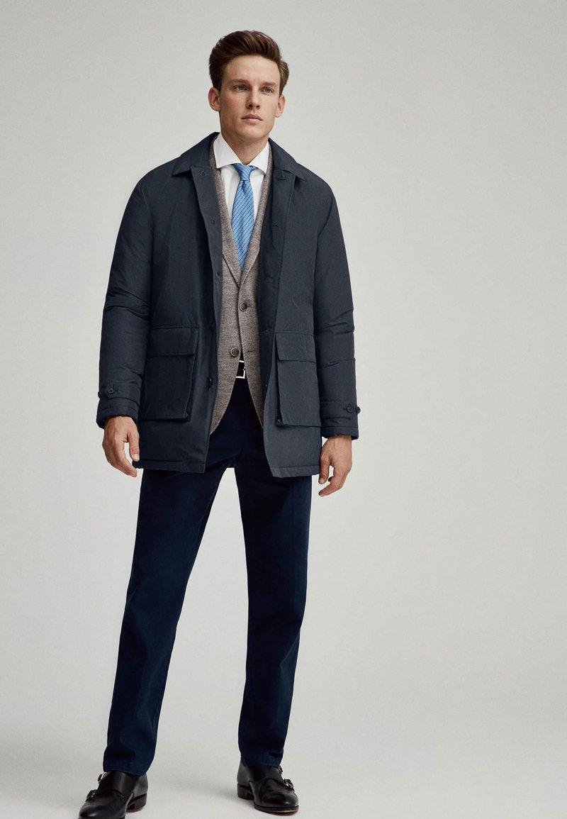 Hackett London - LW INSULATED RAINCOAT - Short coat - navy