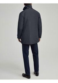 Hackett London - LW INSULATED RAINCOAT - Short coat - navy - 3