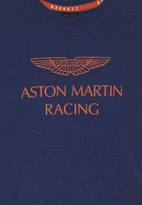 Hackett London - ASTON MARTIN RACING WINGS - Triko spotiskem - dark blue - 3