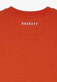 Hackett London - ASTON MARTIN RACING WINGS - Sweatshirt - orange - 2