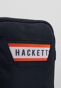 Hackett London - Skuldertasker - navy - 6