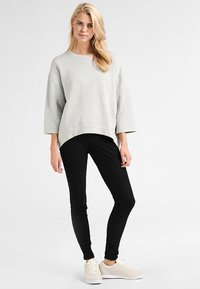 Hue - ESSENTIAL - Trousers - black - 1