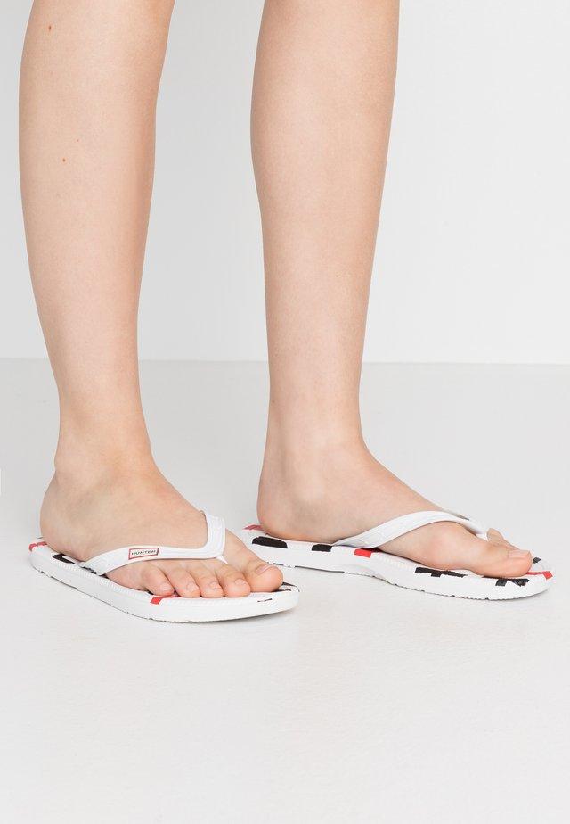 WOMENS EXPLODED LOGO - Japonki kąpielowe - white