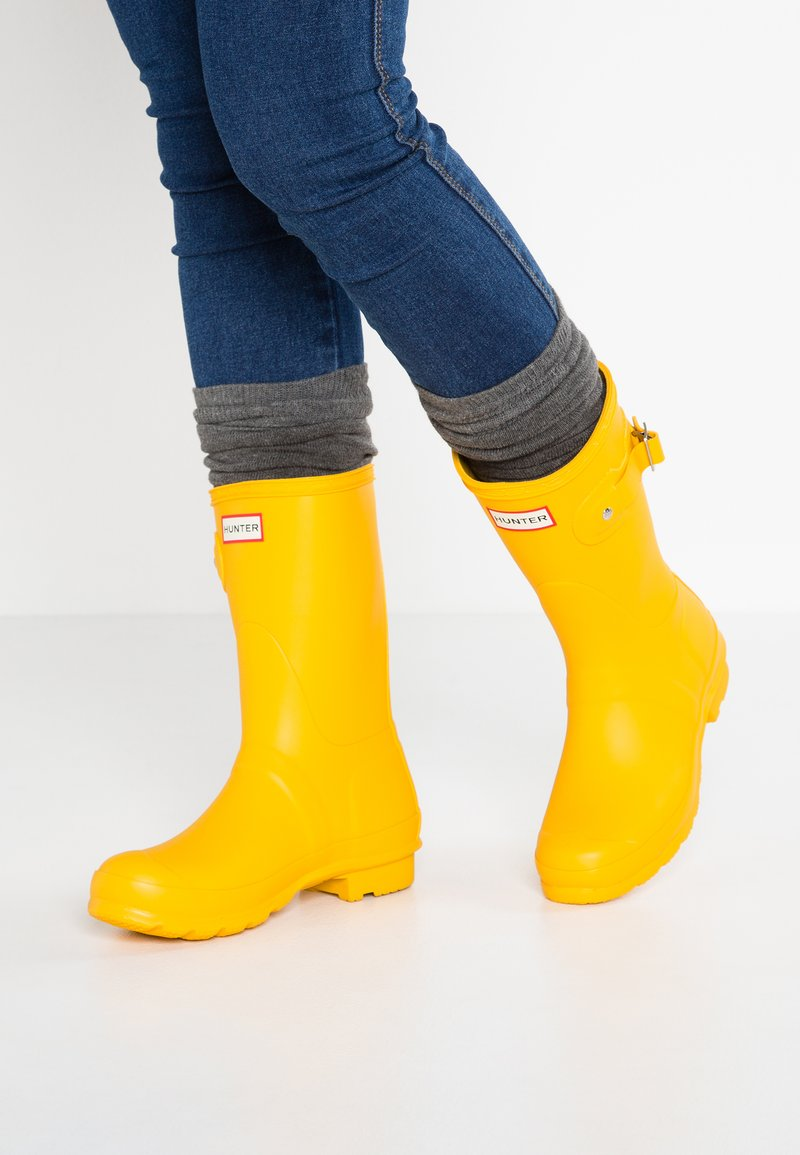 Hunter - WOMENS ORIGINAL SHORT - Wellies - yellow