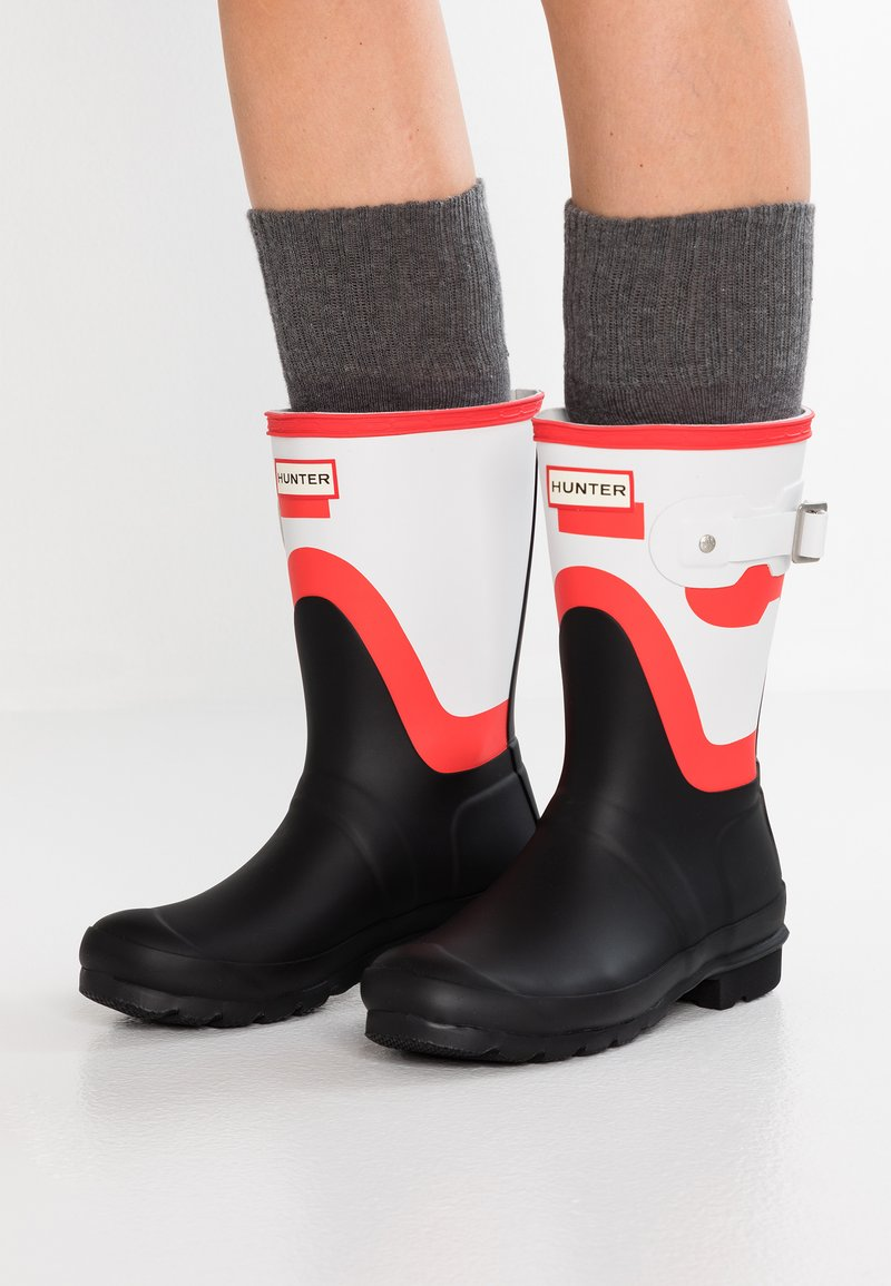 Hunter - WOMENS ORIGINAL SHORT SHADOW PRINT - Wellies - red/white/black