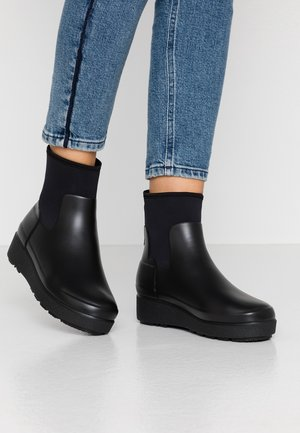 WOMENS REFINED CREEPER NEO CHELSEA - Bottes en caoutchouc - black