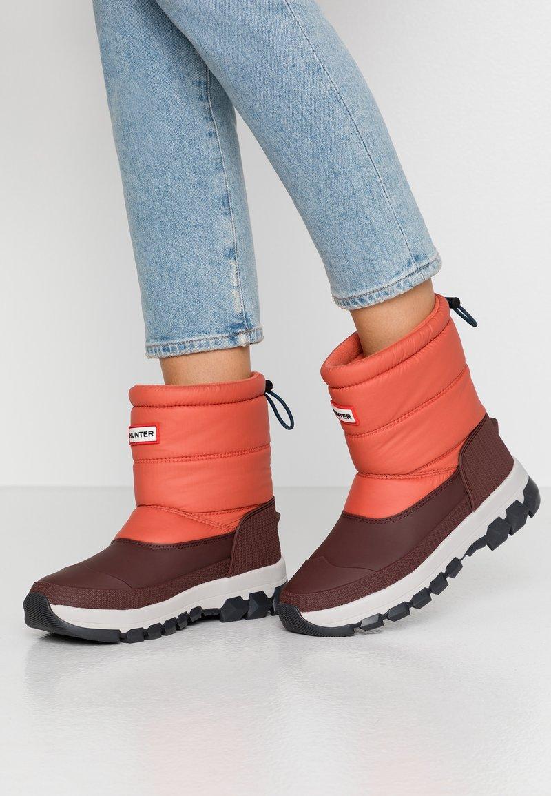 Hunter - ORIGINAL INSULATED SHORT - Winter boots - siren