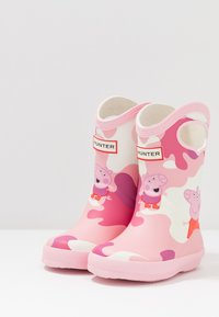 Hunter - KIDS FIRST CLASSIC PULL  ON PEPPA MUDDY PUDDLES BOOT - Stivali di gomma - candy floss - 2