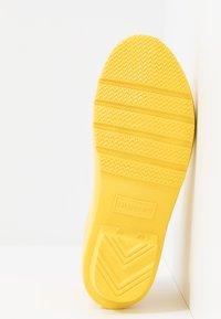 Hunter - ORIGINAL KIDS CHELSEA GLOSS - Stivali di gomma - lightening yellow - 5
