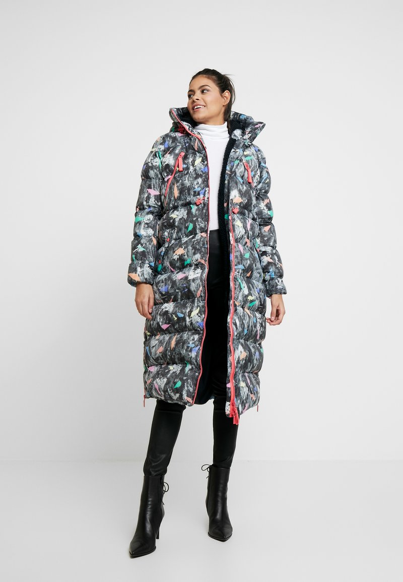 Hunter ORIGINAL - WOMENS ORIGINAL LONG PUFFER COAT - Vinterkåpe / -frakk - apricot