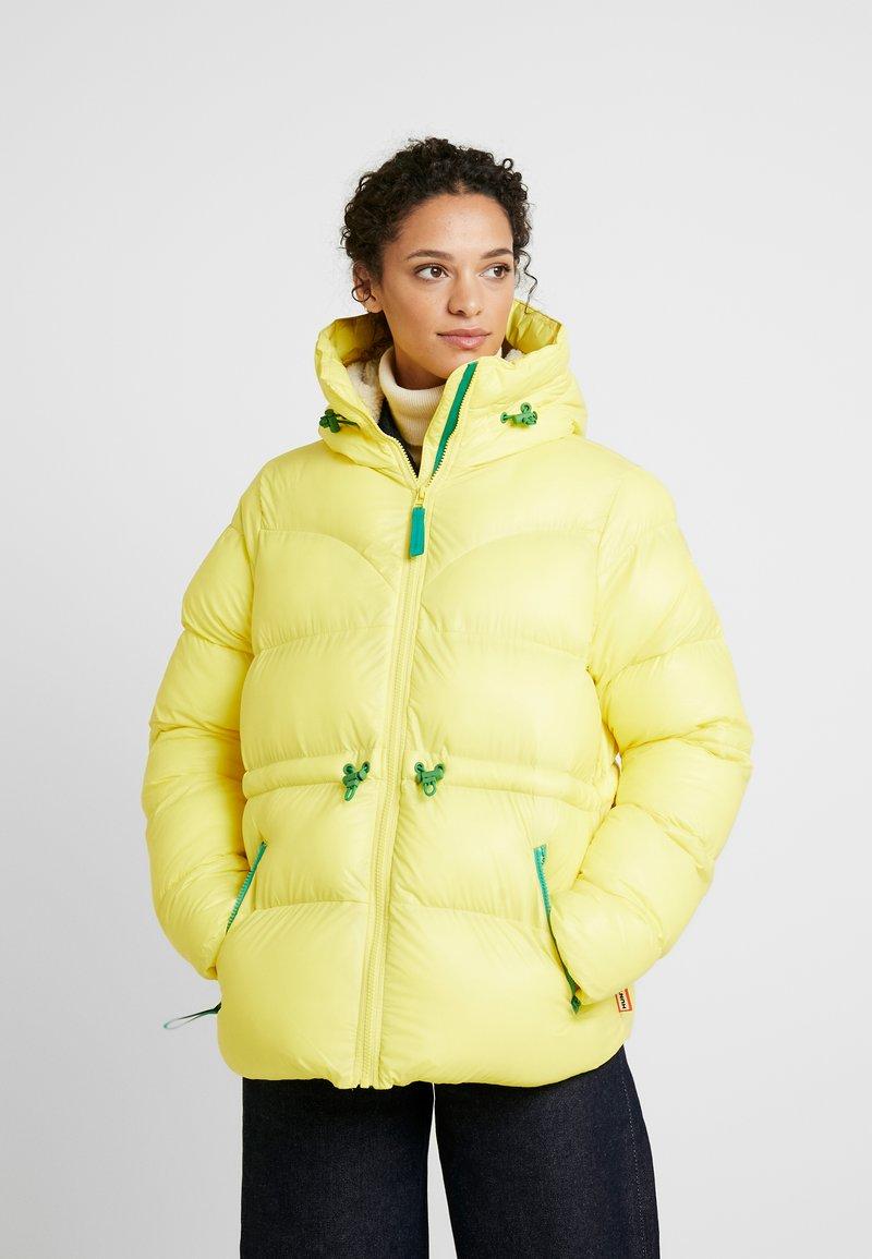 Hunter ORIGINAL - WOMENS ORIGINAL ALINE PUFFER - Winter jacket - yellow