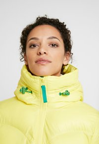 Hunter ORIGINAL - WOMENS ORIGINAL ALINE PUFFER - Winter jacket - yellow - 5