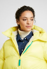 Hunter ORIGINAL - WOMENS ORIGINAL ALINE PUFFER - Winter jacket - yellow - 3