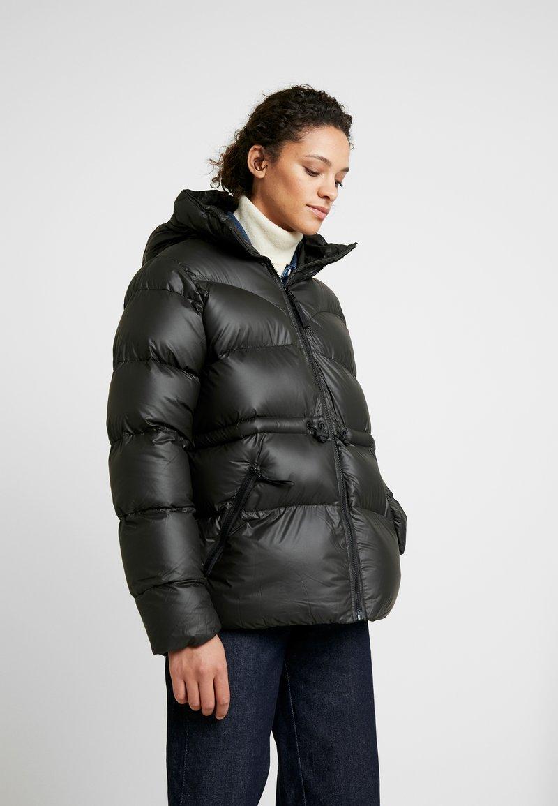 Hunter - WOMENS ORIGINAL ALINE PUFFER - Winter jacket - black