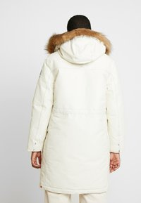 Hunter ORIGINAL - WOMENS ORIGINAL INSULATED - Winter coat - white - 2