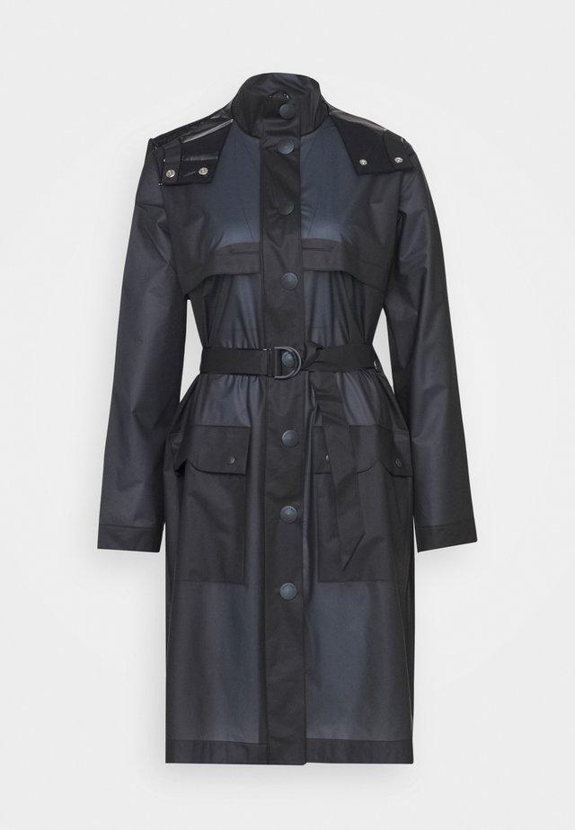 WOMENS REFINED PART PLEAT COAT - Waterproof jacket - navy