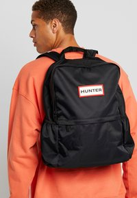 Hunter - ORIGINAL LARGE BACKPACK - Plecak - black - 1