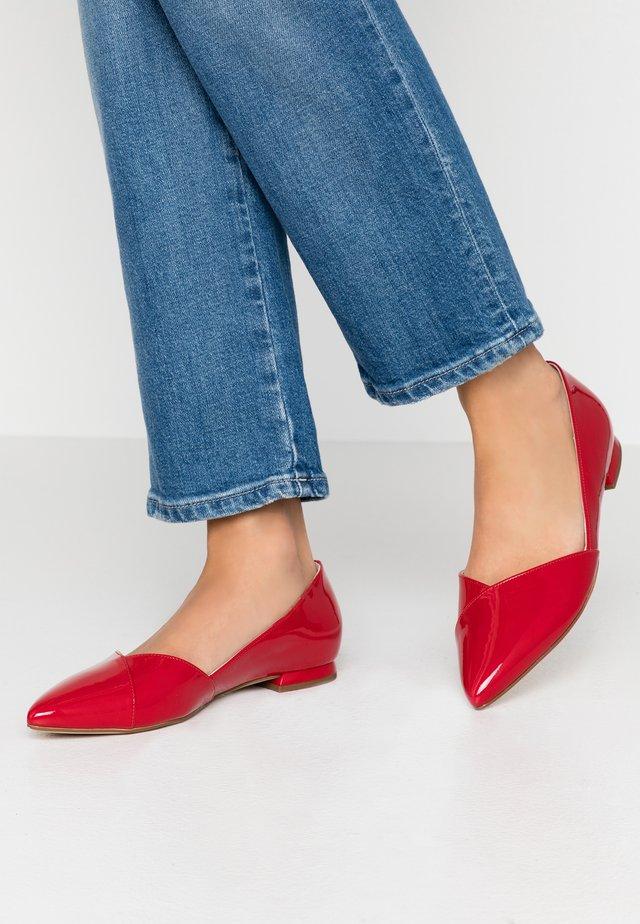 Klassischer  Ballerina - rot