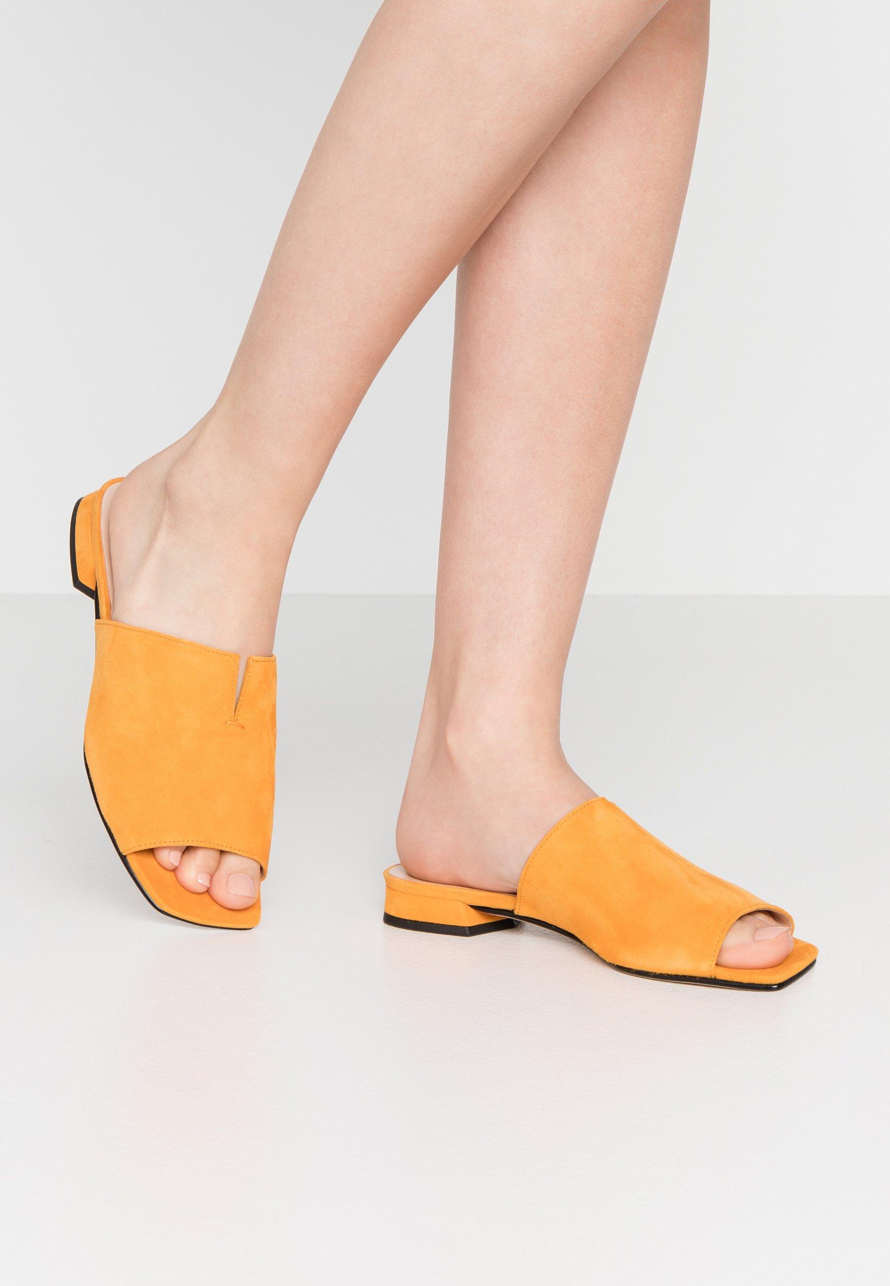 Zuecos amarillos online   Comprar colección de mujer en Zalando