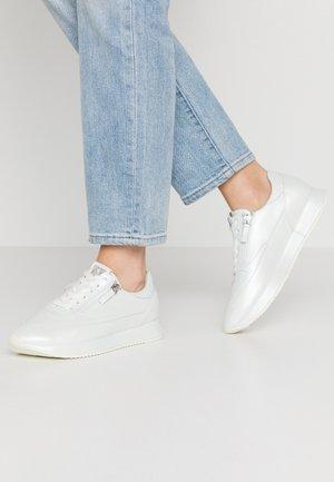 Tenisky - perlato white