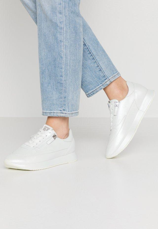Sneakers laag - perlato white