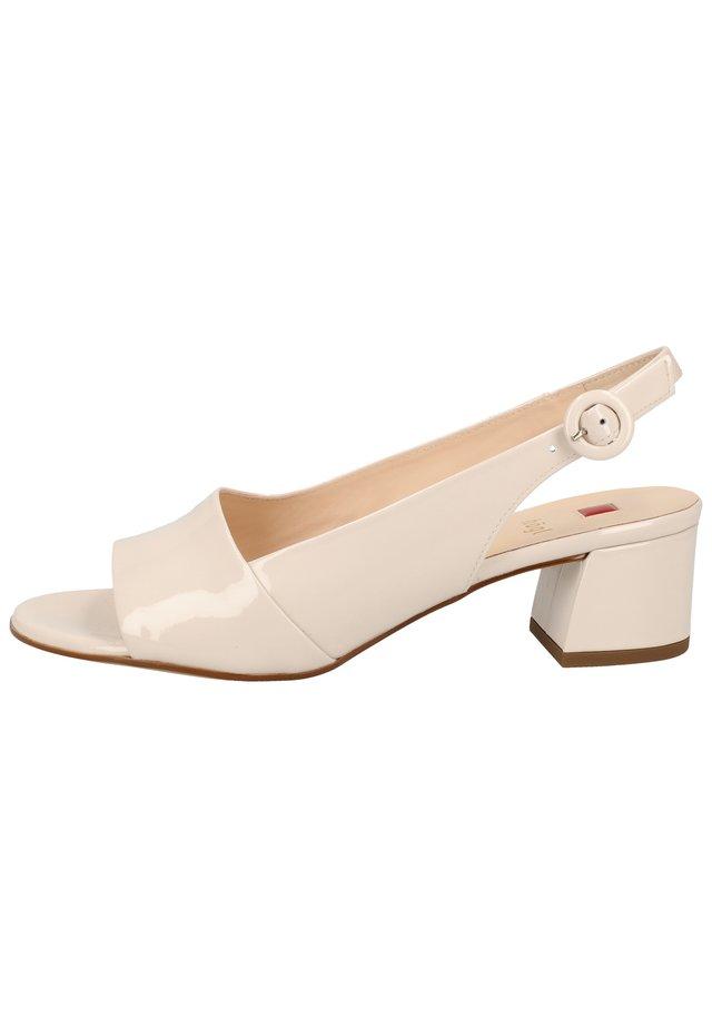 9-102114 - Sandals - rose