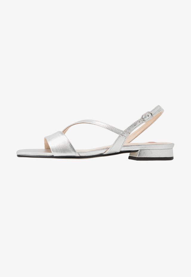 Sandals - soft metallic silver