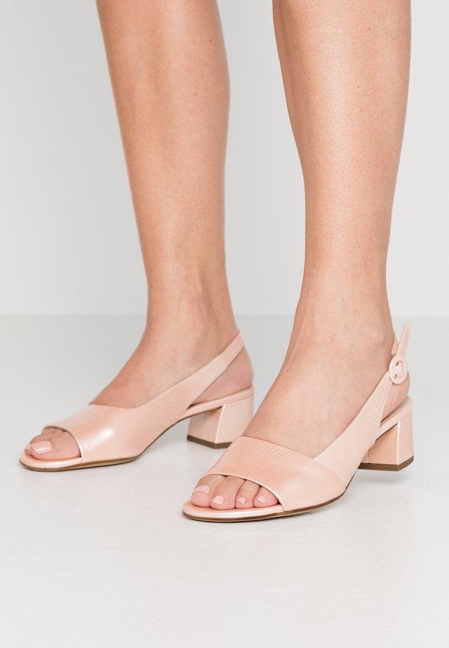 Sandals - al salmon