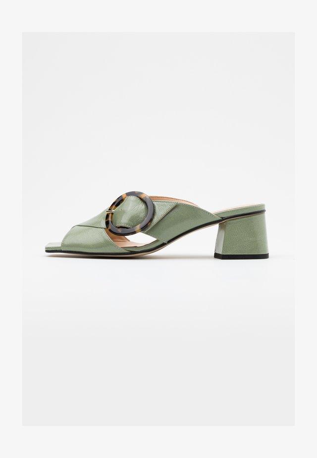 ARIA - Sandaler - salvia