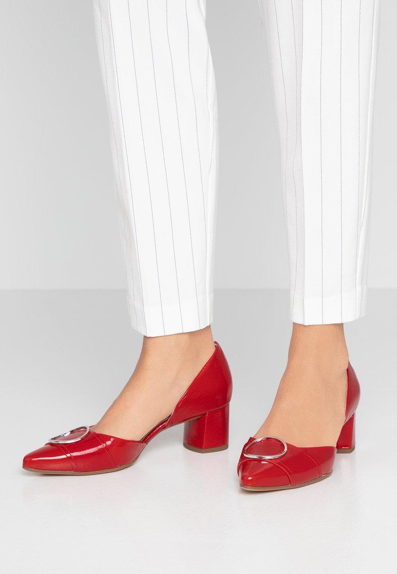 Högl - Classic heels - scarlet