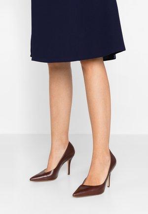 High heels - chocolat