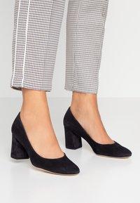 Högl - Classic heels - ocean - 0