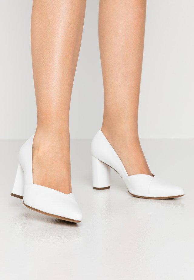 BUSINESS - Classic heels - weiß
