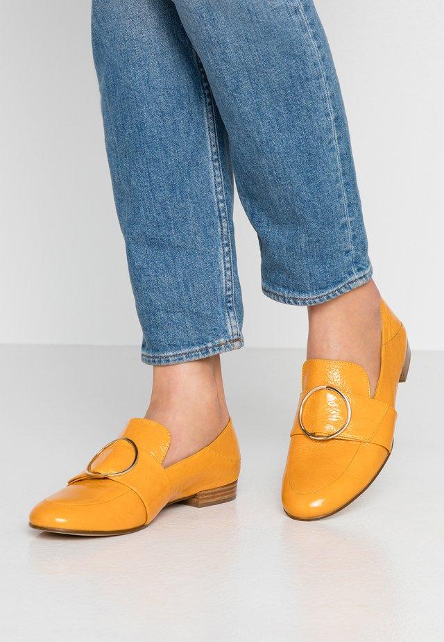 Scarpe senza lacci - mango