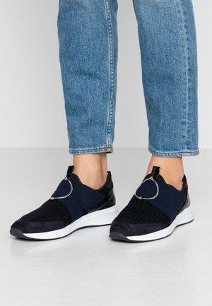 Nazouvací boty - ocean