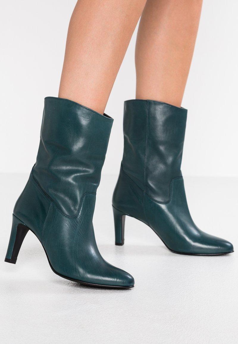 Högl - Boots - pertrol