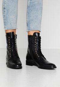 Högl - Lace-up ankle boots - schwarz - 0