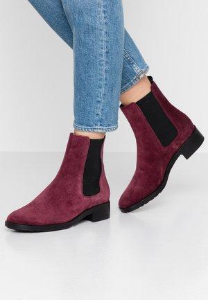 Kotníkové boty - vino