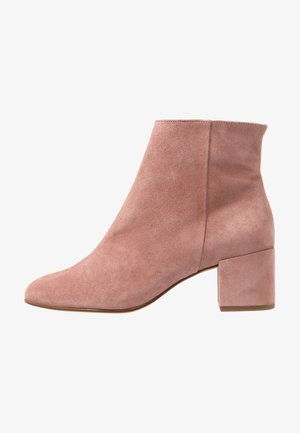 Classic ankle boots - dark rose