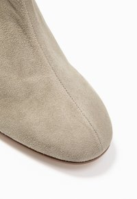 Högl - Ankle boot - taupe - 2