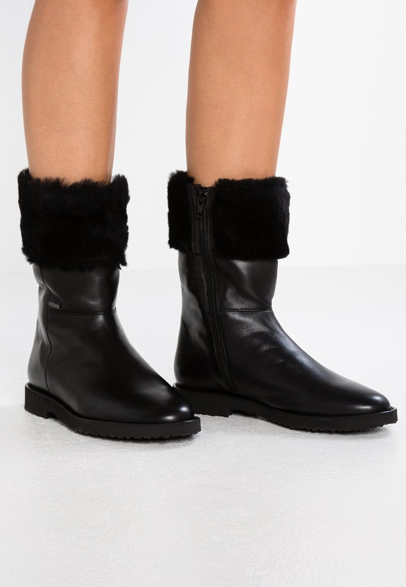 Högl - Classic ankle boots - black