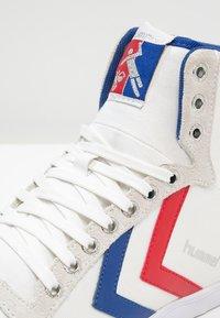 Hummel - SLIMMER STADIL - Zapatillas altas - white/blue/red - 5