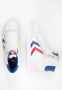 Hummel - SLIMMER STADIL - Zapatillas altas - white/blue/red - 1