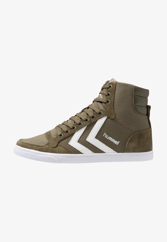 SLIMMER STADIL - Sneakers high - dark olive