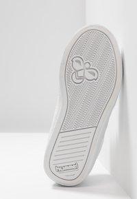 Hummel - DEUCE COURT PRINCESS - Sneakers basse - white - 5