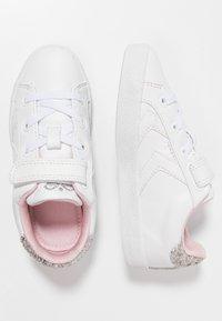 Hummel - DEUCE COURT PRINCESS - Sneakers basse - white - 0