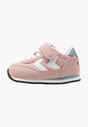 REFLEX INFANT - Sneakers basse - pale mauve