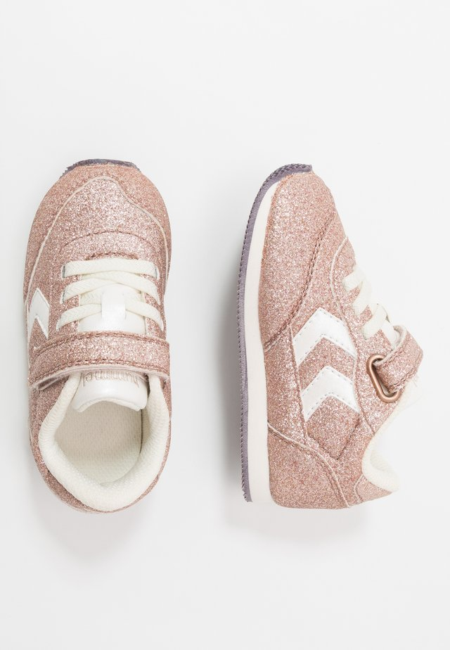 REFLEX GLITTER INFANT - Trainers - gold