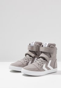Hummel - SLIMMER STADIL - Zapatillas altas - frost grey - 3