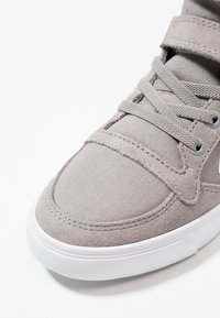 Hummel - SLIMMER STADIL - Zapatillas altas - frost grey - 2